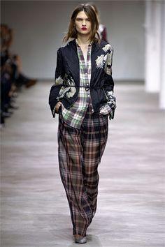 Sfilata Dries Van Noten Paris - Collezioni Primavera Estate 2013 - Vogue