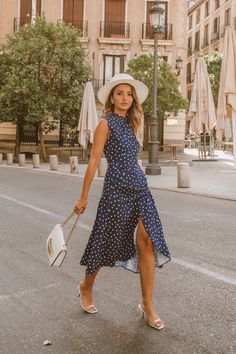 Summer Outfits, Cute Outfits, Summer Dresses, Alexandra Pereira, Morgan Dress, Navy Blue Background, Summer Looks, White Jeans, Night Out
