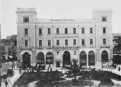 Old Athens Photos Kotzia Square, Athinas street. Back to Old Athens Photos General Post Office, Square Photos, Athens Greece, Old Photos, Notre Dame, Greek, Louvre, Mansions, History
