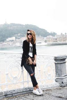 Casual chic outfit - denim, sneakers, splash of a print & a blazer (Collage Vintage via Lena Penteado)