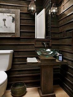 I don't know why I love this bathroom... maybe it's the whole old meets new look to it that makes it to die for.