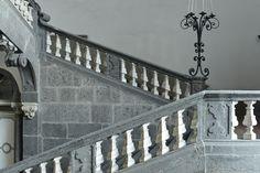 Scalinata_-_Palazzo_Serra_di_Cassano_-_Naples_