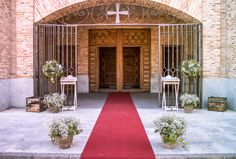 Iglesia de Santa Teresa, Toledo http://www.pecci.es/producto/kit-decoracion-de-entradas/