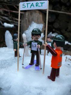 Igráček se vydal na hory a se svými kamarády si dali závody na lyžích. Dali