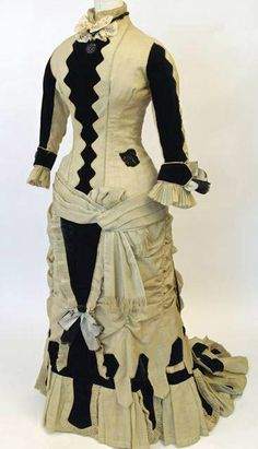 American celadon wool and black cotton velvet dress, c. Currently on display at the Waterloo Region Museum in the exhibition Street Style Drag Clothing, 1800s Clothing, Antique Clothing, 1870s Fashion, Edwardian Fashion, Vintage Fashion, Vintage Couture, Vintage Gowns, Vintage Outfits