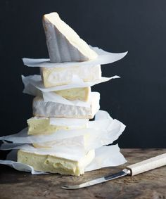 Pile of cheese - Say Cheese Fromage Cheese, Artisan Cheese, Cheese Spread, Wine Cheese, C'est Bon, Cute Food, How To Make Cheese, Food Styling, Delicious Desserts
