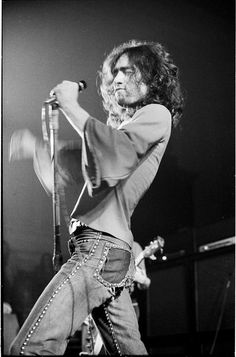 Vocalist - Paul Rodgers. The man with the perfect rock voice. Strength, pitch, phrasing, scream, diction - he has it all.