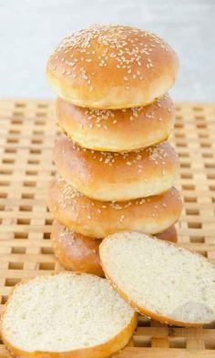 Bułki hamburgerowe Mini Hamburgers, Bread Recipes, Cooking Recipes, Homemade Burgers, Good Food, Yummy Food, Burger Buns, Polish Recipes, Aesthetic Food