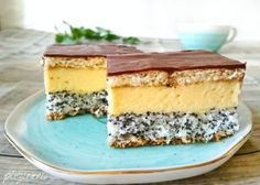 Prajitura Tosca (mac, cocos, crema de vanilie) Sweets Recipes, Cake Recipes, Cooking Recipes, Romanian Desserts, Savoury Cake, Cheesecakes, Bacon, Sweet Treats, Deserts