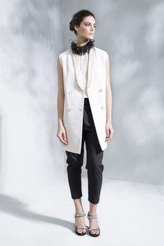 Brunello Cucinelli - Spring Summer 2016 Ready-To-Wear - Shows - Vogue. Petite Fashion, Love Fashion, Fashion Show, Fashion Outfits, Fashion Design, Spring Summer Fashion, Spring 2016, Fall 2015, Summer 2016