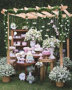 44 Stunning Backyard Wedding Decor Ideas On A Budget 44 atemberaubende Hinterhof Hochzeit Dekor Idee Diy Wedding, Wedding Ceremony, Rustic Wedding, Wedding Flowers, Wedding Ideas, Yard Wedding, Summer Wedding Menu, Vintage Outdoor Weddings, Dream Wedding