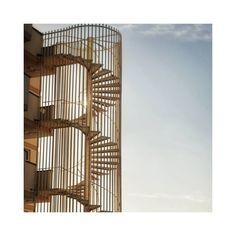 #stairsandstripes . . . #spiral #espiral #escalera #adn #dna #escaleradecaracol #spiralstaircase #architecturephotography… Spiral Staircase, Modern Contemporary, Stairs, Instagram, Room, Furniture, Ideas, Home Decor, Dna