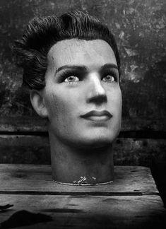 Galerie VU - Christer Strömholm series The Head, Paris, circa 1950