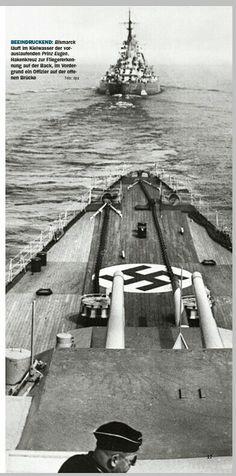 Panzerschiff Bismarck hinter Prinz Eugen (©schiffclassic)
