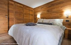 || Arte Rovere Antico - Photo by Duilio Beltramone for Sgsm.it || Casa Verde - La Thuile - Wood Interior Design - Bedroom