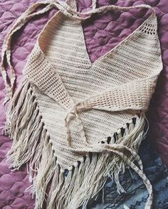 Knitting Fashion Summer Beaches 60 Ideas – chrissi be - Crochet Bikinis Crochet, Crochet Bikini Top, Crochet Blouse, Débardeurs Au Crochet, Crochet Woman, Crochet Summer Tops, Halter Tops, Crochet Fashion, Crochet Clothes