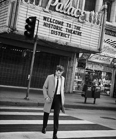 """// DIOR HOMME // Prince of the streets in a New York cityscape, Robert Pattinson plays by his own rules and lives 1000 lives. #itDior #diorrob"""