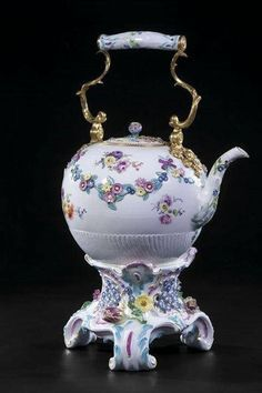 porcelanas e cerâmicas. Muitas ideias e funções