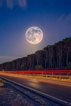 Super Moon By Fabrizio Lutzoni [via/more]