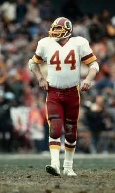 Redskins Players, Redskins Fans, Redskins Football, Nfl Football Players, Sport Football, School Football, Football Cards, Nfl 49ers, College Basketball