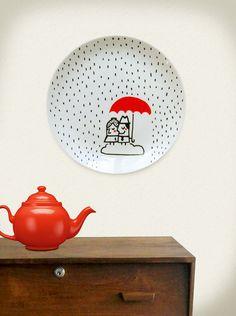 Rainy day by Meuadoraveliglu on Etsy Painted Plates, Ceramic Plates, Plates On Wall, Decorative Plates, Pottery Painting Designs, Pottery Designs, Paint Designs, Ceramic Painting, Ceramic Art