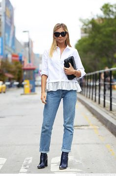 white blouse / boyfriend jeans / black booties
