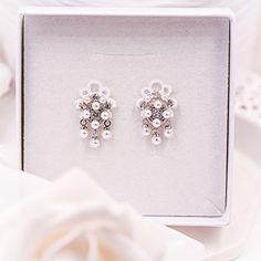 Malé krajkové svatební náušnice - svatba 2021 Brooch, Stud Earrings, Jewelry, Jewlery, Jewerly, Brooches, Stud Earring, Schmuck, Jewels