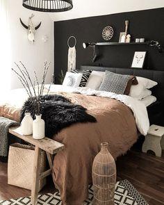 Trendy Bedroom Black Brown Lights Ideas - New Ideas Home Decor Bedroom, House Interior, Bedroom Makeover, Bedroom Decor, Minimalist Bedroom Design, Bedroom Interior, Home, Home Bedroom, Home Decor
