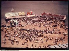 Inauguration des travaux d'agrandissement de l'île Sainte-Hélène et de création de l'île Notre-Dame. - 12 août 1963. - 1 photographie.
