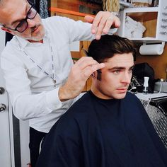 Zac Efron Gets Major Haircut To Start Shooting 'The Greatest Showman': Photo Zac Efron is sporting some serious sideburns! The hunky actor showed off his new look on social media. PHOTOS: Check out the latest pics of Zac Efron The Greatest Showman, Zec Efron, Michelle Williams, Instagram And Snapchat, Hugh Jackman, Dream Guy, Latest Pics, Haircuts For Men, Cute Guys