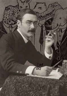 Rudyard Kipling (1865 – 1936) was an English poet, short-story writer, and novelist chiefly remembered for his celebration of British imperialism, tales and poems of British soldiers in India, and his tales for children. Kipling received the Nobel Prize for Literature in 1907. Leia os nossos posts dedicados a Escritores em http://mundodelivros.com/category/escritores/