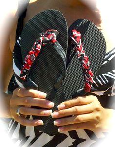 Braided school logo fabric on flip flops.