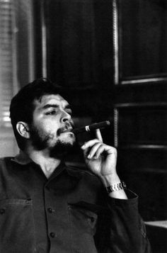 Comandante Ernesto Che Guevara - the Argentine-Cuban guerrilla fighter, revolutionary leader,. Fidel Castro, Che Guevara Photos, Che Quevara, Ernesto Che Guevara, Elliott Erwitt, Cigar Men, Guerrilla, Popular Culture, Revolutionaries