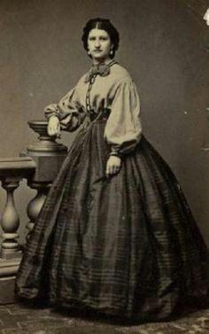 shirt waist and a silk taffeta skirt