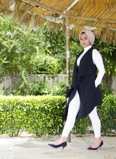 Outfit slay #outfitideas #ootd #chicoutfits #classyoutfits #MARYAMMANSURY #streetstyle #blackandwhite #2017trends