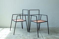 RIES, studio en provenance directe d'Argentine nous présente la collection Alpina, mobilier droit et géométrique