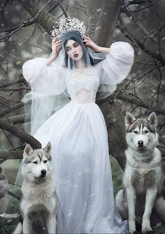 .don't understand what is going on but beautiful dress