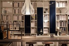 Italian home decor in the design district of Miami, design offered by Poliform and Verenna.