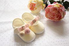 Buciki do chrztu ecru-róż rozmiar 12-13 w Monika Magdalena  na DaWanda.com