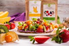 OWOCOWA CZARODZIEJKA - Just a SALAD - Przepisy na Sałatki Kiwi, Dairy, Salad, Cheese, Food, Essen, Salads, Meals, Lettuce
