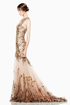I normally don't like Alexander McQueen's dresses, but i love this one.
