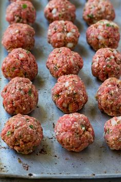 Raw meatballs on a baking sheet. Raw meatballs on a baking sheet. Healthy Crockpot Recipes, Slow Cooker Recipes, Healthy Dinner Recipes, Beef Recipes, Healthy Soup, Italian Recipes, Recipies, Italian Meatballs, Spaghetti And Meatballs