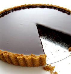 Tart mit dunkler Schokolade!