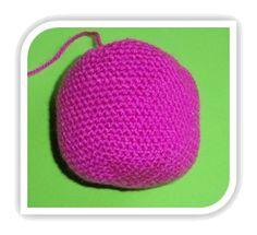 MATERIALES   Lana de diferentes colores   Grosor de la lana: 3-4 mm.  Aguja crochet adecuada para el grosor de la lana    Aguja co...