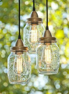 DIY, Lámpara hecha con tarros de cristal http://www.icono-interiorismo.blogspot.com.es/2015/04/diy-lampara-hecha-con-tarros-de-cristal.html