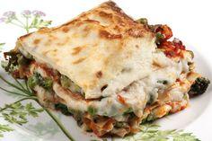 Healthy Recipe: Miami Marathon Lasagna - Just a couple of days until your pasta dinner, participants! Vegetarian Lasagne, Vegetable Lasagne, Veggie Lasagna, Vegetable Recipes, Easy Delicious Recipes, Gourmet Recipes, Vegetarian Recipes, Yummy Food, Healthy Recipes