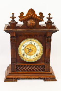 An Ansonia Clock Co., New York, bracket clock, eight day Salem movement, c1900, 37.5cm max.