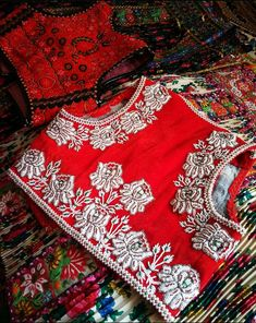 Indian Designer Outfits, Historical Clothing, Wearable Art, Alexander Mcqueen Scarf, Folk, Decorations, Costumes, Embroidery, Clothes
