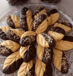 Greek Sweets, Greek Desserts, Ice Cream Desserts, Greek Recipes, Baking Business, Greek Dishes, Chocolate Sweets, Macaron Recipe, Biscuit Cookies