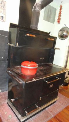 Pioneer maid wood cook stove